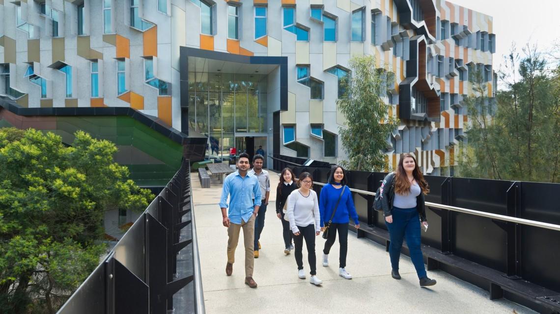 Úc_Vic_La Trobe College_Ảnh 1_11.03.2019_NHICOS